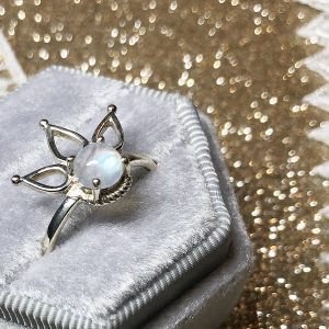 Moonstone Rising ring (size 7,8)