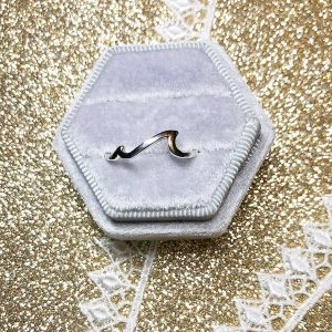 Waves ring – (size 8)