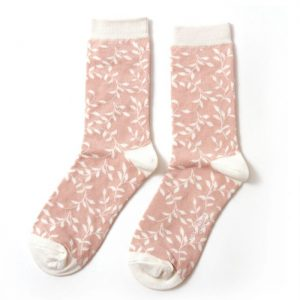 Trailing leaves – Ladies Bamboo socks (pink)