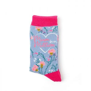 Mum in a million – Ladies Bamboo socks (powder blue/pink)